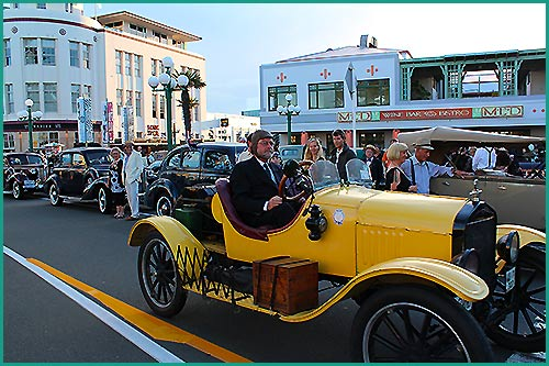 Art-Deco-Napier-with-Hawkes-Bay-Scenic-Tours