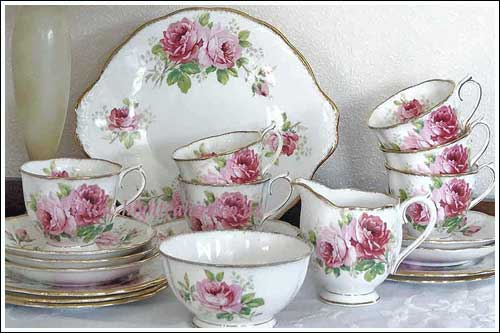 American-Beauty-Royal-Albert-Fine-bone-china-for-hire-high-tea-napier-nz