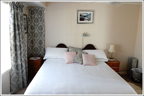 King-Room-Nest-Haven-Bed-&-Breakfast-Taradale-Napier-NZ