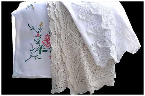 Linen-tablecloths-&-Embroidered-Vintage-China-Hire-Napier-NZ-