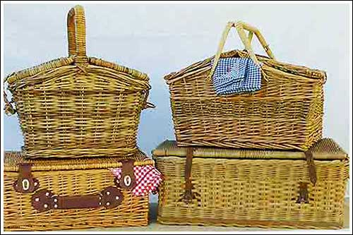 Vintage-Picnic-baskets-for-hire-high-tea-hire-napier-nz-