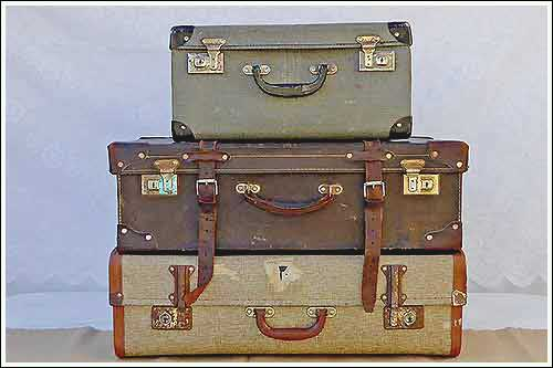 Vintage-Suitcases-for-hire-weddings-high-tea-hire-napier-nz