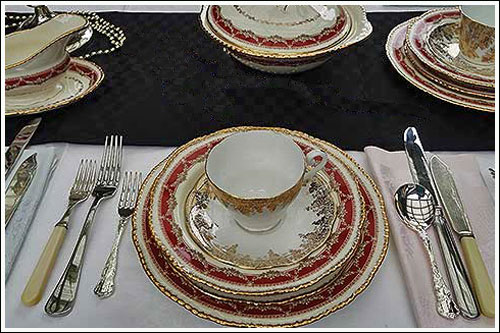 Vintage-Table-Setting-with-vintage-crockery-for-hire-high-tea-hire-napier