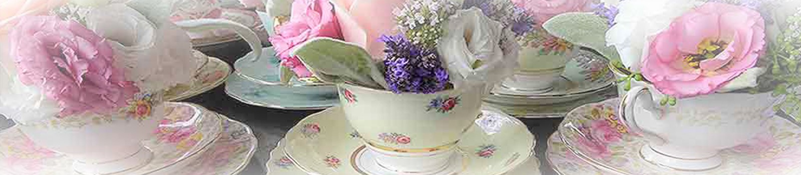 Vintage-cups-Floral-arrangement-Vintage-China-Hire-Napier-NZ