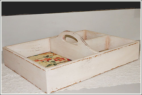Wooden-carry-box-High-tea-hire-napier-New-Zealand