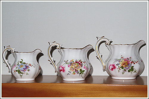 Crown-Derby-Pansies-creamer-milk-jugs-perty-high-tea-hire-napier-nz